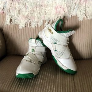 Nike LeBron Soldier XII {12} (GS) 'SVSM Home'